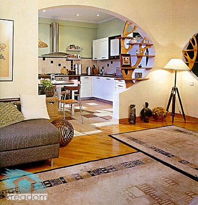декор в интерьере кухни совмещенной с гостиной