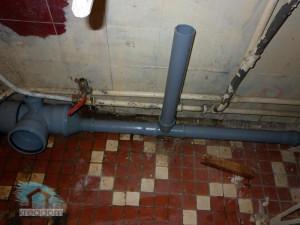 установка-новой-канализации-в-ванной