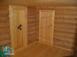 деревянные двери в сауне