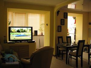 совмещение балкона с кухней и гостиной