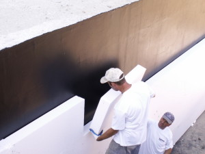 Процесс монтажа плит из пенополистирола