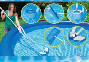 Ручная чистка бассейна