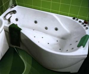Комфортная акриловая ванна с подголовником