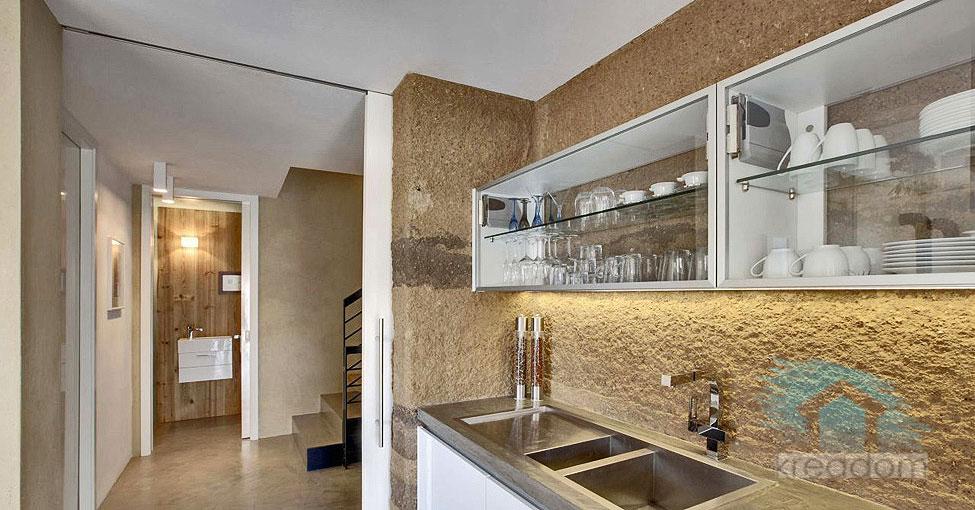 структурное оштукатуривание стен кухни