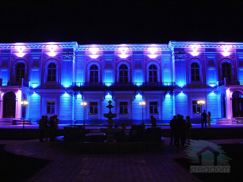 локальноая подсветка здания